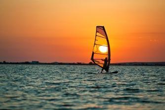 windsurfing-board-gear-beginner-holidays