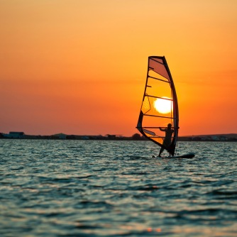 windsurfing-board-gear-beginner-holidays