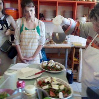 greek-salad-cooking-class-Zozef-Pitrofos-Andros-ece842da